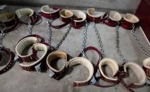 """Le Comité international de la Croix-Rouge (CICR) a rédigé en 2007 un rapport confidentiel dans lequel il conclut que le traitement infligé aux personnes soupçonnées de terrorisme dans les prisons secrètes de la CIA """"constitue une torture"""", a rapporté le Washington Post lundi."""