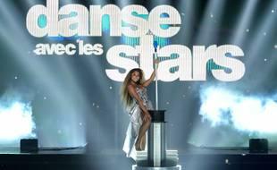 La chanteuse Wejdene sur le plateau de Danse avec les stars.