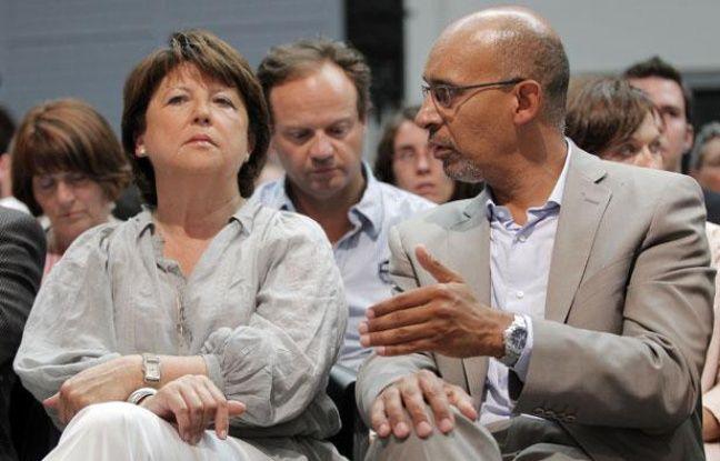 Martine Aubry et Harlem Désir lors de la session plénière de l'université d'été du PS, à La Rochelle (vendredi 24 août 2012)