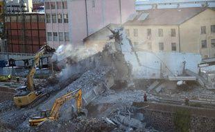 Les recherches se poursuivent à Gênes après l'effondrement du pont Morandi