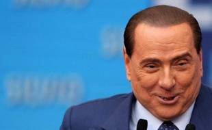 La défense de Silvio Berlusconi, accusé dans le procès Rubygate d'abus de pouvoir et prostitution de mineure, a demandé lundi l'acquittement pour l'ex-chef du gouvernement italien, contre lequel le parquet a demandé six ans de prison.