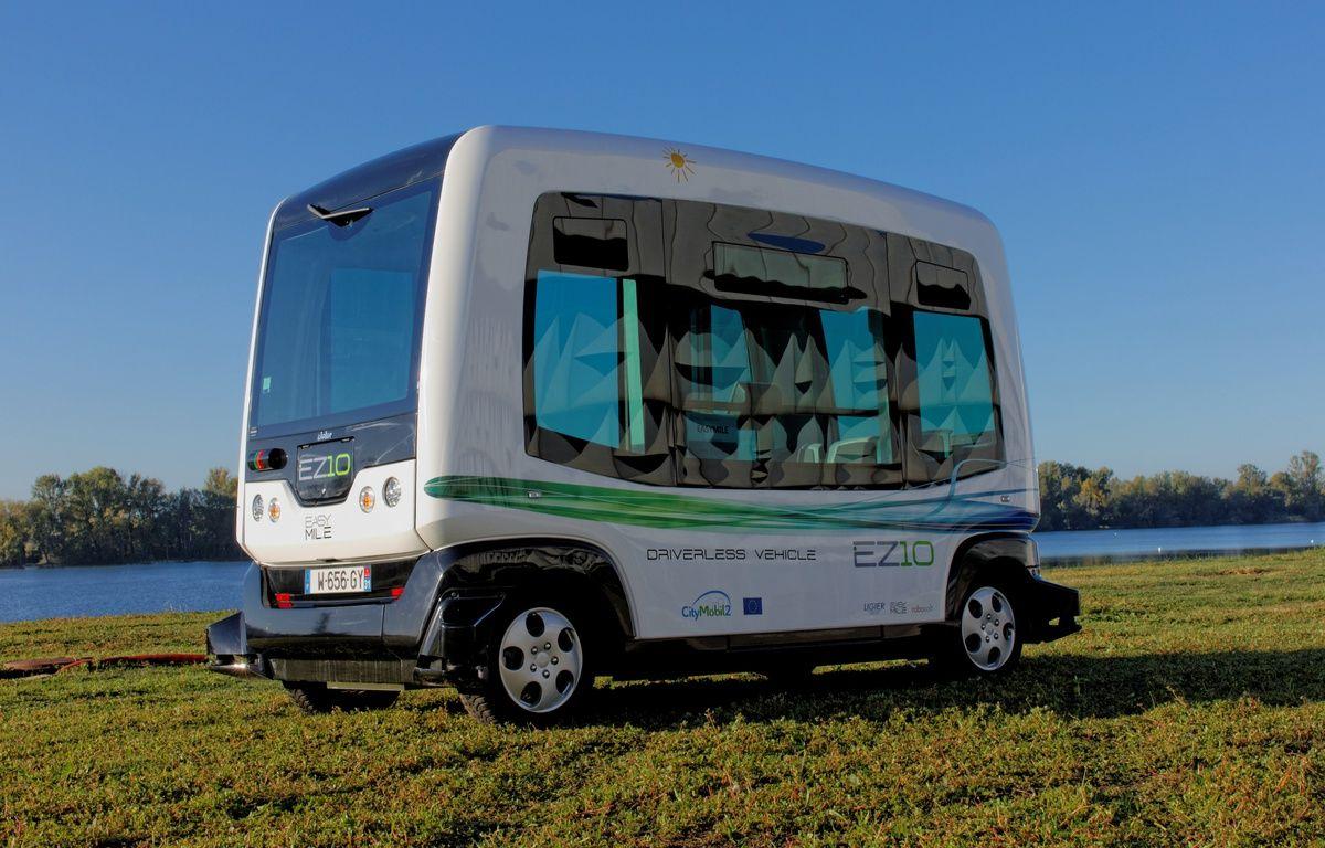 Un minibus sans chauffeur, du constructeur EasyMile, est à découvrir à Perpignan. – /Photo EasyMile