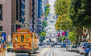 L'image d'Épinal de San Francisco par excellence : ses « cable cars » traversant silencieusement les longues rues pentues.