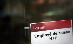 L'emploi intérimaire a chuté de 11,5% en février 2013 par rapport à février 2012, avec un repli plus fort encore dans l'industrie et l'Est de la France, selon le baromètre Prisme publié jeudi.
