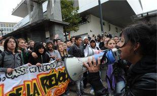 Près de 3000 personnes, dont une majorité de lycéens, ont manifesté hier à Nantes.
