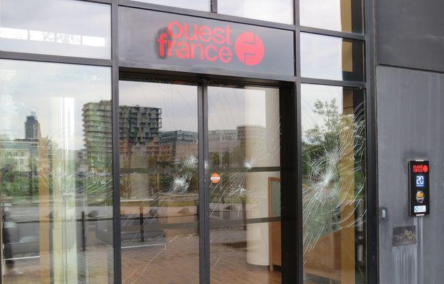 Les vitres de l'entrée de Ouest-France défoncées par certains manifestants.