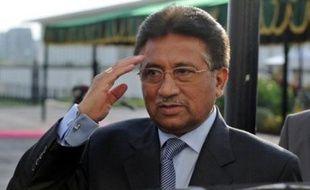 Les dirigeants de la coalition au pouvoir au Pakistan, qui a poussé lundi le président Pervez Musharraf à la démission, ont indiqué mercredi qu'ils tentaient toujours d'aplanir leurs divergences notamment sur sa succession et le rétablissement des juges qu'il avait évincés.