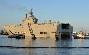 Le navire de guerre Vladivostok, un porte-hélicoptère Mistral commandé par la Russie, à Saint-Nazaire le 5 mars 2014