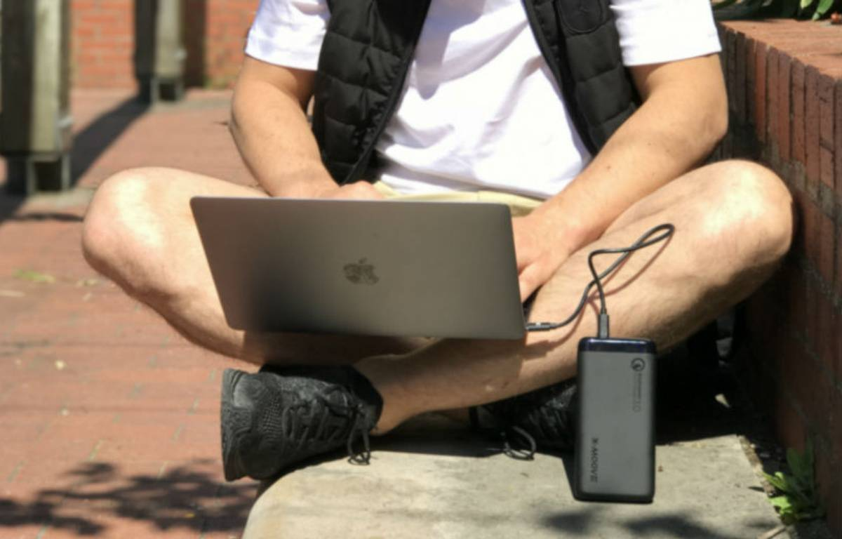 Smartphones, tablettes, ordinateurs, consoles de jeux... les batteries de secours sont devenues indispensables à nos vies numériques. – X-MOOVE