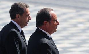 Les anciens présidents de la République Nicolas Sarkozy et François Hollande