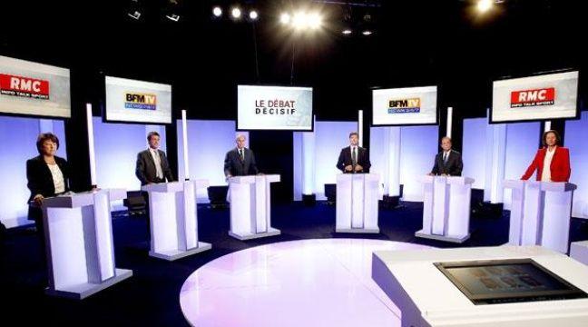 Les six candidats aux primaires socialistes, sur le plateau de BFMTV, le 5 octobre 2011.  – Steph/Visual/BFMTV