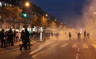 L'inauguration des illuminations des Champs-Elysées a été perturbée par les forains, à Paris, le 22 novembre 2017.