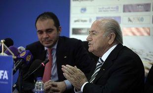 Le Prince Ali Bin Al Hussein, à gauche, et Sepp Baltter, à droite
