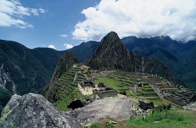 Y avait pas de photo du Pérou dans le back photos de 20 Minutes et j'avais la flemme d'en télécharger une, alors voici le Machu Picchu
