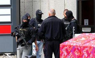 Des policiers canadiens à Ottawa, le 22 octobre 2014