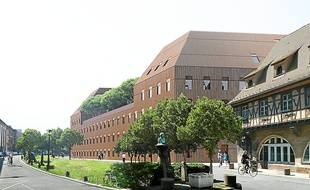 Le bâtiment accueillera 2 200 étudiants à la rentrée 2015.