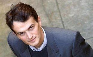 Le journaliste Guillaume Dasquié, spécialiste du renseignement, a bénéficié le 6 janvier d'un non-lieu dans une enquête pour violation du secret de la défense dans laquelle il avait été placé en garde à vue pendant 40 heures en 2007, a-t-on appris mardi de source proche du dossier.