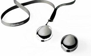 Nouveau gadget, le Zoda permet de rencontrer des célibataires lors de soirées grâce à une fonction Bluetooth.