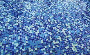 Le fond d'une piscine (illustration).