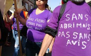 Les salariés et personnes accueillis à la boutique Solidarité de Toulouse ont manifesté ce mardi dans les rues de Toulouse.