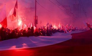 Plusieurs dizaines de milliers de personnes ont participé samedi à Varsovie à une marche nationaliste à l'occasion de la Fête de l'Indépendance.