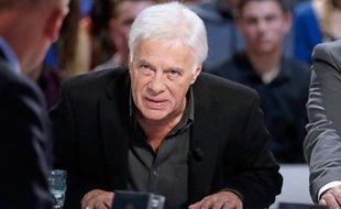 Guy Bedos, sur le plateau du Grand Journal, le 14 octobre 2013, à Paris.