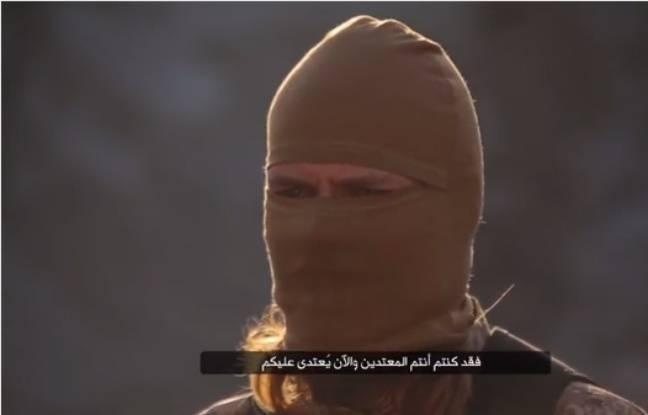Un djihadiste francophone mis en scène dans une vidéo de Daesh.