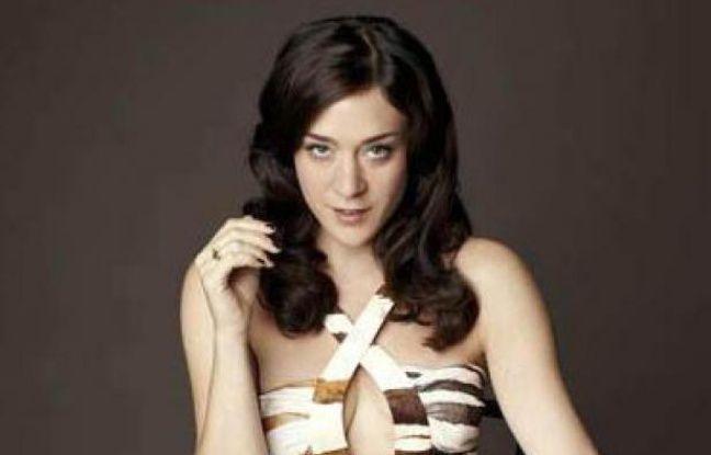 Chloë Sevignyincarne une tueuse à gages transsexuelle dans Hit and Miss, une mini-série anglaise.