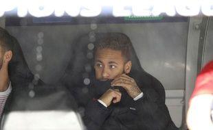 Neymar sur le banc au coup d'envoi de Real Madrid-PSG, le 26 novembre 2019.
