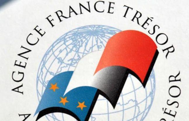 La France a levé 9,873 milliards d'euros sur le marché jeudi lors d'un emprunt de moyen terme et un autre de long terme indexé sur l'inflation, avec une forte demande des investisseurs et des taux en nette baisse, selon l'Agence France Trésor (AFT).