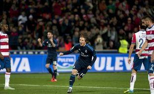 La joie de Luka Modric après son (joli) but qui offre la victoire au Real Madrid sur la pelouse de Grenade (1-2), le 7 février 2016.