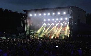 Clutch en concert lors de Rock en Seine 2016.