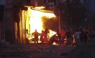 Les violences ont fait au moins 13 morts en Inde.