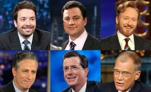 Six animateurs de talk-show américains: Jimmy Fallon, Jimmy Kimmel, Conan O'Brien, Jon Stewart, Stephen Colbert et David Letterman.