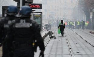 Ambiance tendue lors de la manifestation des gilets jaunes à Strasbourg ce samedi.