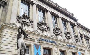 A Bordeaux,illustration de la fac de sciences humaines à la Victoire.