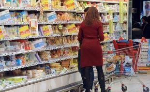 Un rayon dans un supermarché. Illustration.