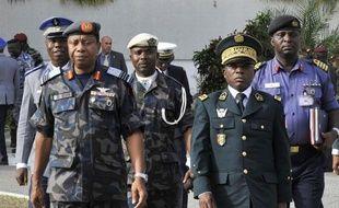 Les chefs d'état-major de la Communauté économique des Etats d'Afrique de l'Ouest (Cédéao) se sont réunis jeudi matin à Abidjan pour étudier l'éventuel déploiement d'une force militaire régionale déjà en alerte afin de faire face à la crise au Mali, a constaté l'AFP.
