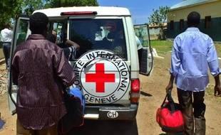 Les autorités soudanaises ont donné l'ordre à la Croix-Rouge de suspendre ses activités au Soudan, a annoncé samedi l'organisation à l'AFP.