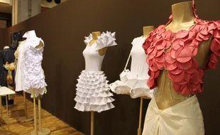 Les créations des étudiants du Moda Lab de Madrid sont exposées au salon Ethical Fashion show, à Paris, du 1er au 4 septembre 2011.