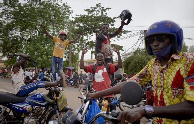 648x415 rues bamako apres coup etat mercredi