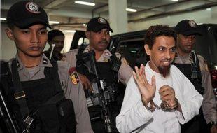 L'accusation a requis lundi la prison à perpétuité pour l'Indonésien Umar Patek, artificier présumé des attentats de Bali en 2002 qui avait été arrêté dans la ville pakistanaise où Ben Laden le fondateur d'Al-Qaïda a été tué par l'armée américaine, quatre mois plus tard.