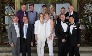 Les premiers mariages gays d'Australie ont été célébrés samedi à Canberra, même si la loi qui autorise le mariage entre personnes du même sexe dans la capitale australienne risque d'être annulée la semaine prochaine par la justice fédérale.