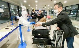 Les contrôles à l'aéroport de Shanghai-Pudong.