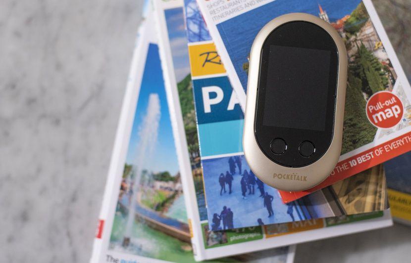 VIDEO: Face à Google Traduction, le traducteur Pocketalk vendu 249 euros justifie-t-il son prix?