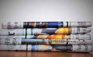 Illustration de titres de presse.