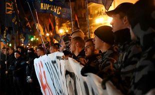 Des manifestants ukrainiens