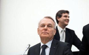 """Jean-Marc Ayrault a démenti mardi, """"de la façon la plus solennelle"""", tout accord secret avec ArcelorMittal privilégiant un site près de Nantes, ville dont il a été maire, mais confirmé un transfert d'activités du site de Basse-Indre (Loire-Atlantique) à Florange."""