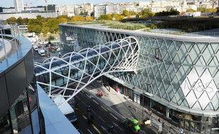 L'agression de Yuriy, 15 ans, a eu lieu aux abords du centre commercial Beaugrenelle, dans le 15e arrondissement de Paris (photo d'illustration)