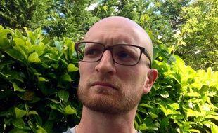 Antoine Allègre, ancien journaliste, est le fondateur du blog parental décalé Monsieur Simon